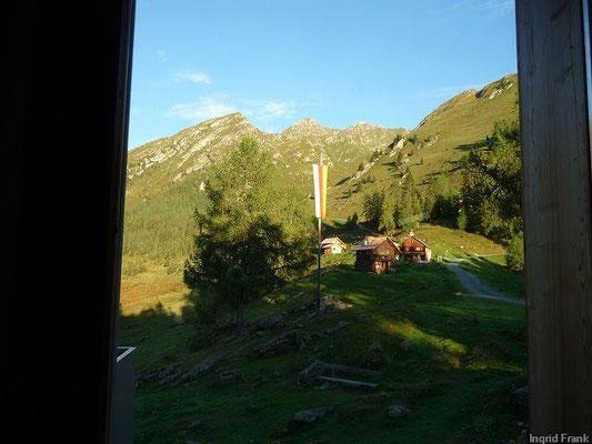 Morgendlicher Blick aus der Fraganter Schutzhütte