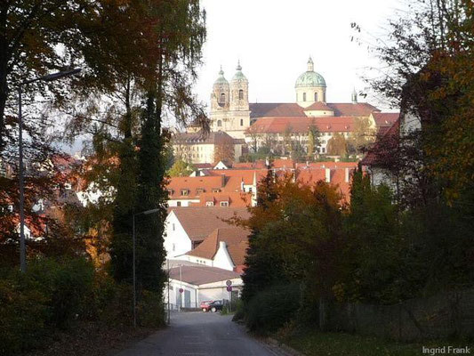 01.11.2010-Blick vom Hallersberg auf die Basilika Weingarten