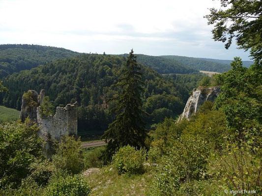 """Oberhalb von der Ruine """"Gebrochen Gutenstein"""""""