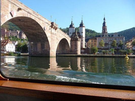 Heidelberg, Alte Brücke, vom Schiffaus gesehen