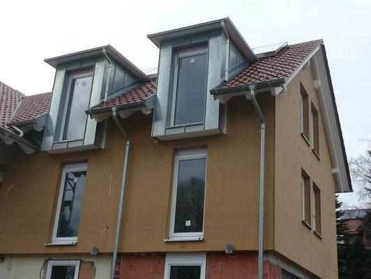 Dachgaubenverkleidung mit Winkelfalztechnik aus Titanzink - Blechnerei Marxzell