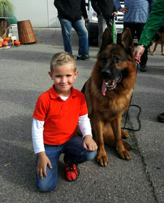 Whillo mit seinem großen Fan Jack