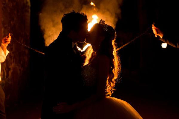 Brennendes Herz, Romantische Feuershow für Hochzeiten in Berlin und Brandenburg