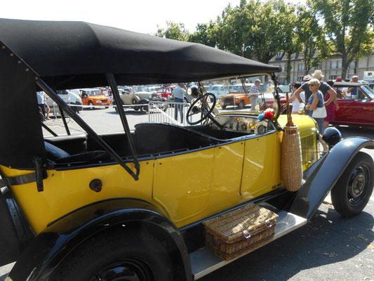 Rockandco à Sézanne Retro Mobile - une très belle journée