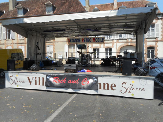 Rockandco à Sézanne Retro Mobile - montage du matériel !