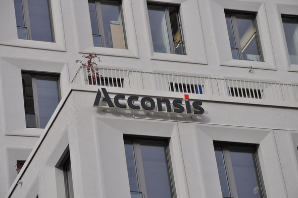 Lichtwerbung München Leuchtbuchstaben Fassade