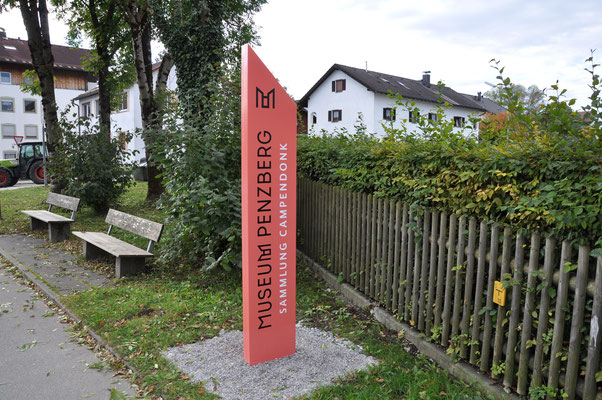Aluminium Stele Pylon Museum Penzberg