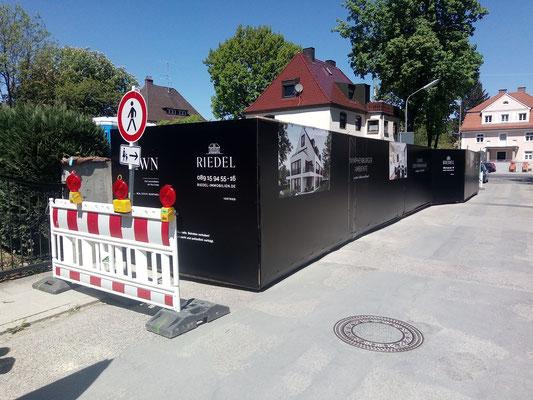 Zaun mit LKW Plane bedruckt München Savoyenstraße