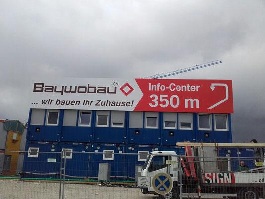 Bautafel an Container 15m München