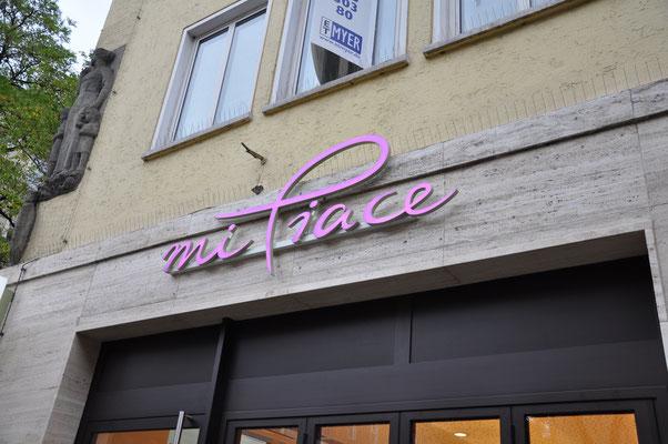 mi Piace LED Leuchtschrift München