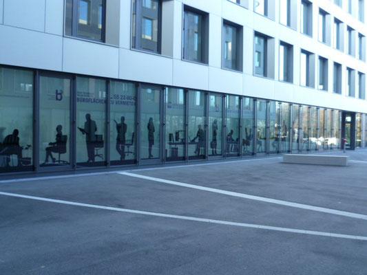 Schaufenster Folierung Scherenschnitt Glasdekor