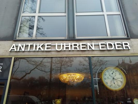 Frontleuchter Vollacryl LED Buchstaben München Innenstadt