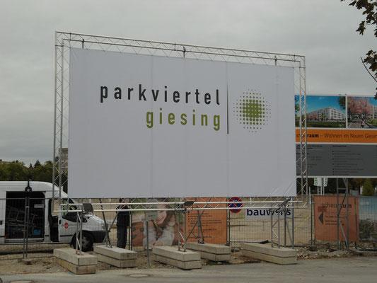 mobiles Bauschild  Banner Traversenrahmen München Giesing 7x4m