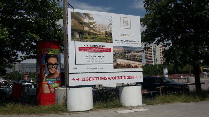 Bautafel Stahl mobil Fundamente München Perlach