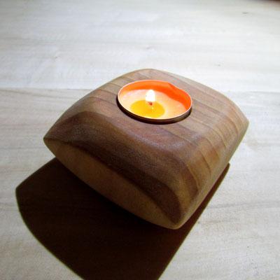 Nr. 60                   wymiar: 10X10X5 [cm] materiał: drewno     Rok 2014    stan: nowy                    18 pln