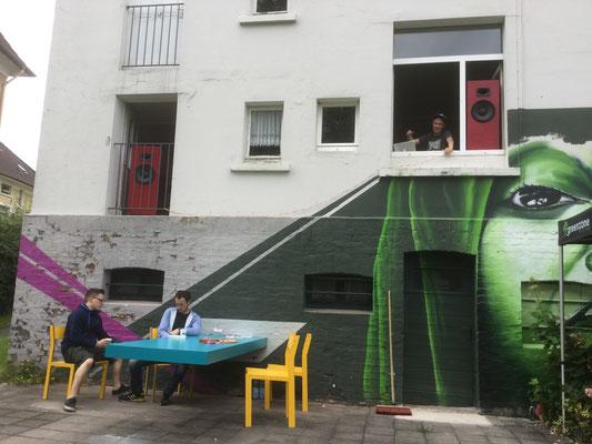 Streets Festival 2016, Mr Märis legt im Haus auf