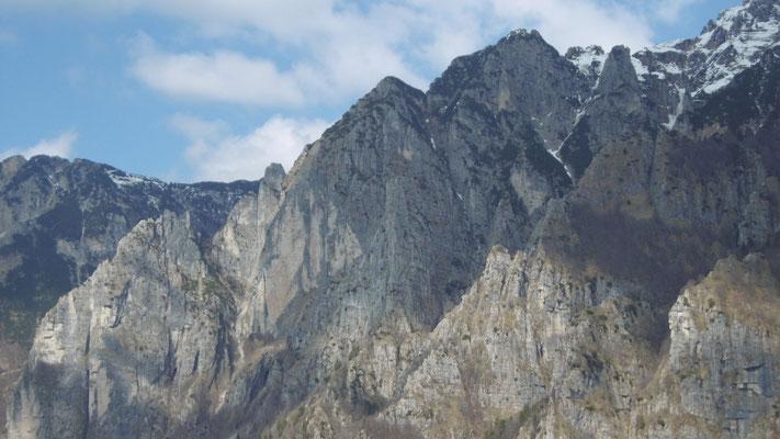 SOJO D'UDERLE, SOJO ROSSO, GUGLIA BAIO  (dalla cima della Guglia degli Operai)