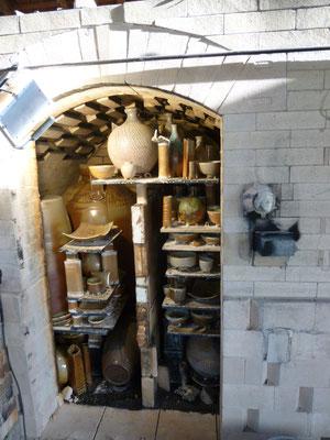 Die vollständig geöffnete Ofenkammer