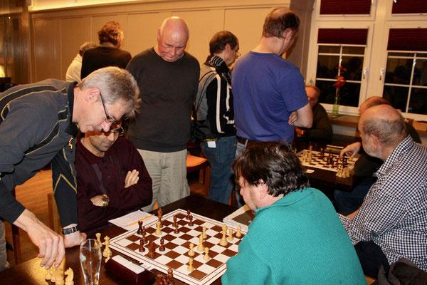 Ingo Klaus, Gustavo Zaldivar, Daniel Meier, im Hintergrund: Hans Bol