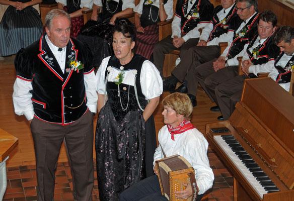 Duett, Annemarie Schär und Urs Bieri in Begleitung von Marianne Kämpfer
