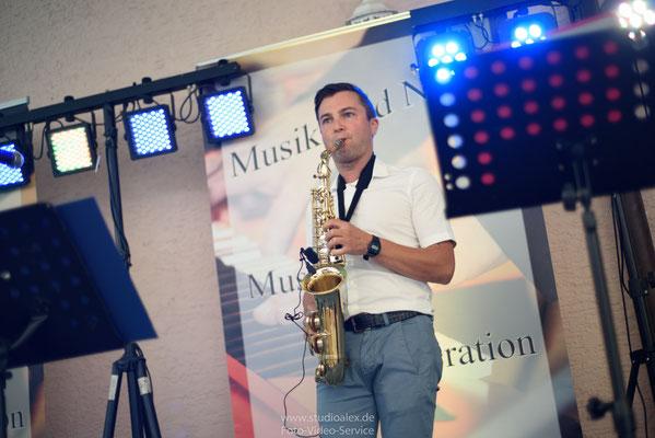 Konstantin Saxofonist auf der Hochzeit in Laaber