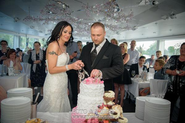 Hochzeitskuchen Buffet auf dem Kristallschiff