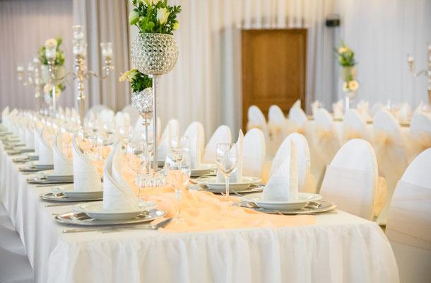 Hochzeitsdekoration Tischaufstellung im ehemaliger Böhmfelder Hof