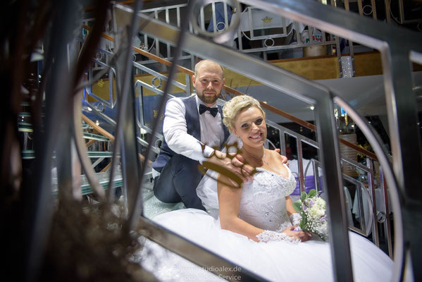 Hochzeitsfotograf auf Kristallkönigin an der Donau Regensburg