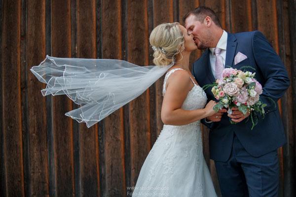 Suche Hochzeitsfotografen in Cham Oberpfalz Bayern?