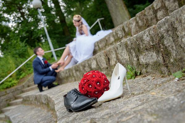 Sie bekommen die Hochzeitsfotos von Hochzeitsfotografen Studio Alex Weiden in der Oberpfalz