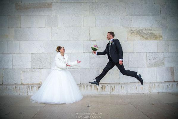 Lustige Hochzeitsfotos Walhalla bei Regensburg
