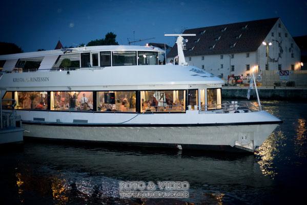 Hochzeitsfotograf für freie Trauung auf dem Kristallschiff Swarovski