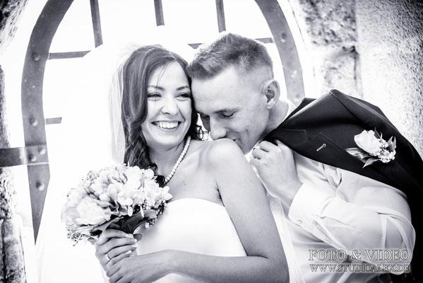 Hochzeitsbilder Hochzeitsfotos Hochzeitsfotograf bei schloss Burg Wernberg Köblitz