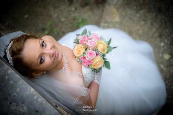 Die Braut beim Fotoshooting in Ingolstadt