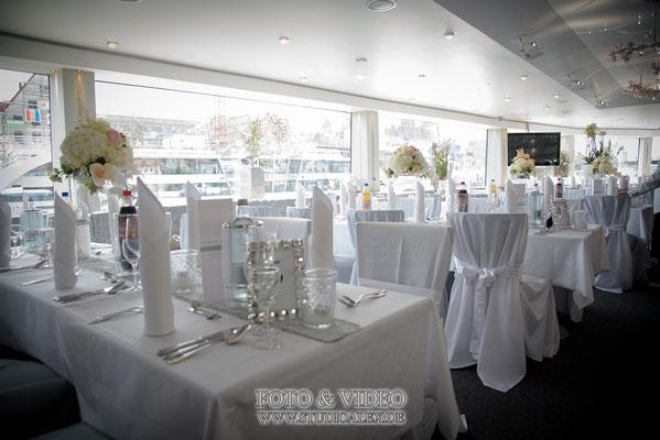 Hochzeitsdekoration auf dem Schiff Kristallprinzessin
