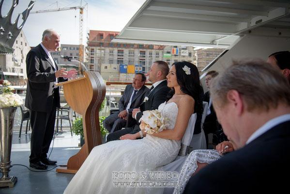 Freie Trauung auf dem Schiff in Regensburg