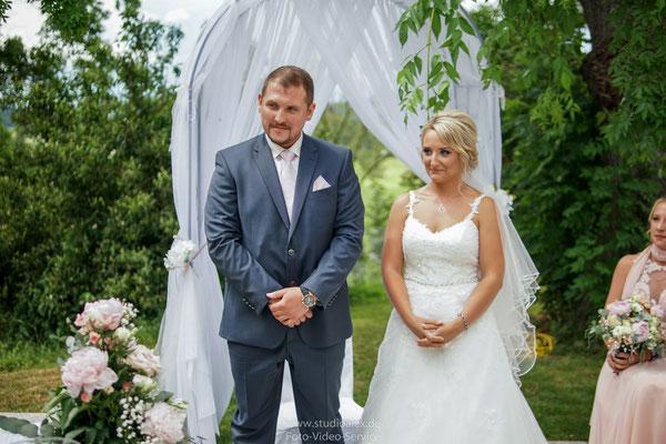 Hochzeitsfotograf für Freie Trauung in Schorndorf gut Hötzing