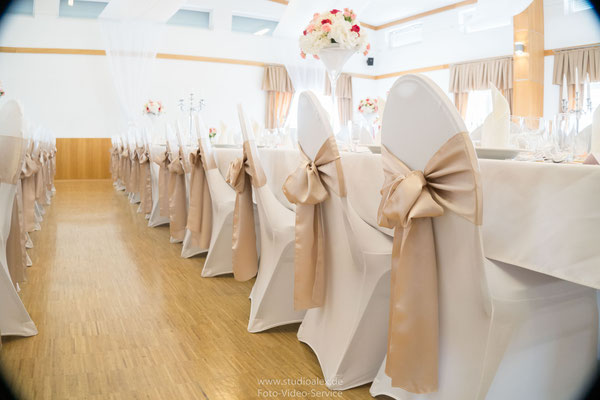 Dekoration für Stühle in Festhalle Fürth