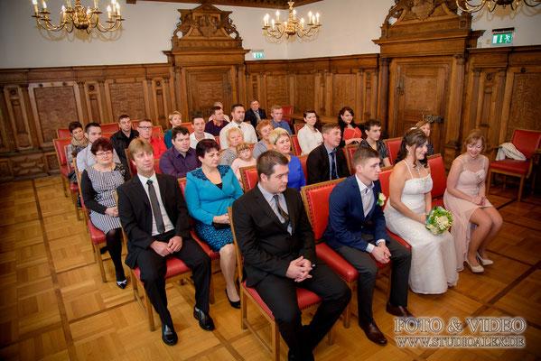 Gruppenfotos Hochzeitsfotografie standesamtliche Trauung in Amberg