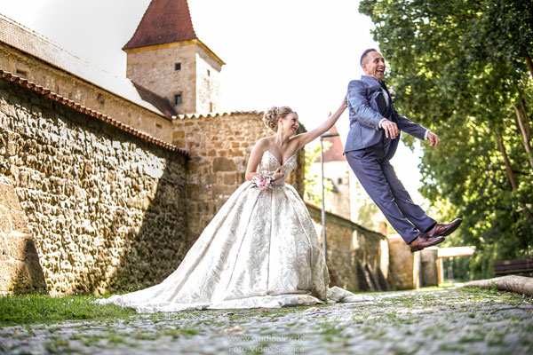 Lustige Hochzeitsfotos Amberg Oberpfalz Bayern, Hochzeitsfotograf Amberg Studio Alex Alexander Dechant, Russischer Fotograf Amberg und Umgebung, Fotograf Hochzeit und Umgebung