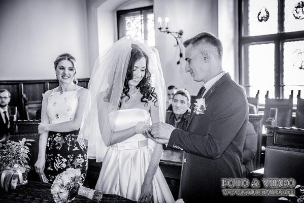 Hochzeitsfotografie standesamtliche Trauung Weiden in der Oberpfalz