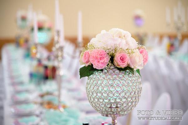 Dekorationsblumen für Hochzeit in Eventhalle Fürth