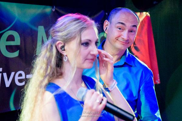 Sänger Wladimir  und Tatjana MUSIC BAND AUS DEGGENDORF