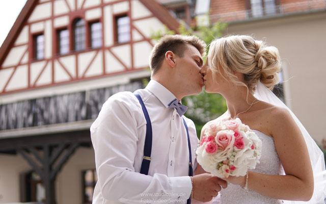 Hochzeitsfotograf in Amberg, Hochzeitsfotografie in Amberg, Fotograf für Hochzeitsreportage in Amberg, Heiraten & Hochzeit in Amberg Studio Alex