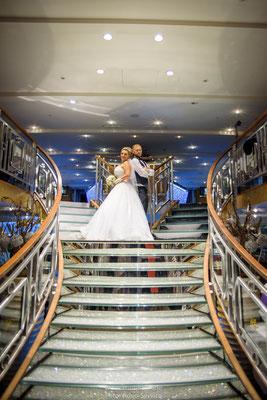 Hochzeitsfotos auf Kristallkönigin an der Donau Regensburg