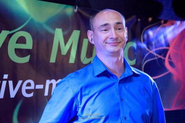 Sänger Wladimir MUSIC BAND AUS DEGGENDORF