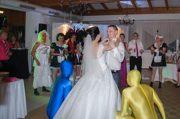 Aliens auf der Hochzeit