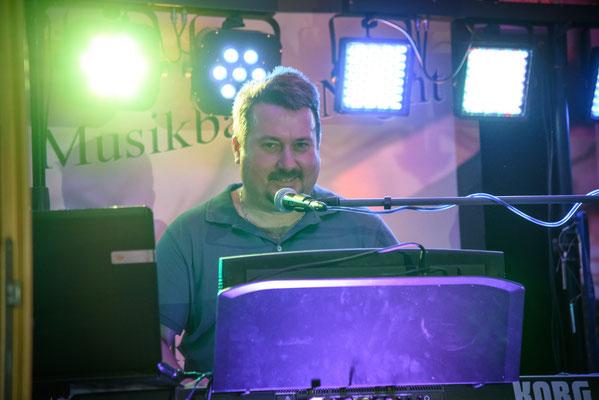 Musikband Nigth Sänger Alexander Badinger Hochzeit in Amberg