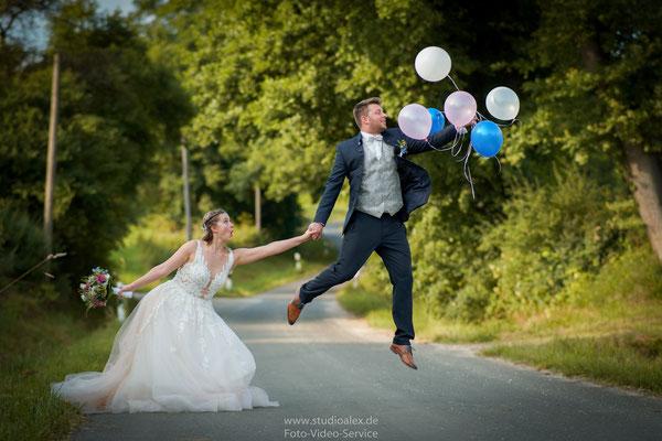 Hochzeitsfotograf Feucht Nürnberg und Fürth, Hochzeitsfotos Feucht, Hochzeitsbilder in Feucht bei Nürnberg, Studio Alex Fotograf Studio Alex