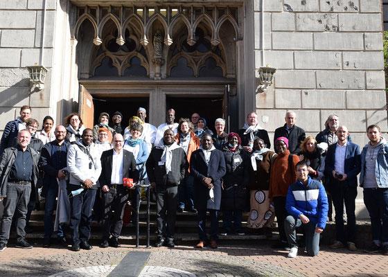 Eine Delegation aus Nigeria hat sich am 1. Oktober im Sozialpastoralen Zentrum Petershof und in der Merkez-Moschee über das interreligiöse Zusammenleben im Ruhrgebiet informiert.
